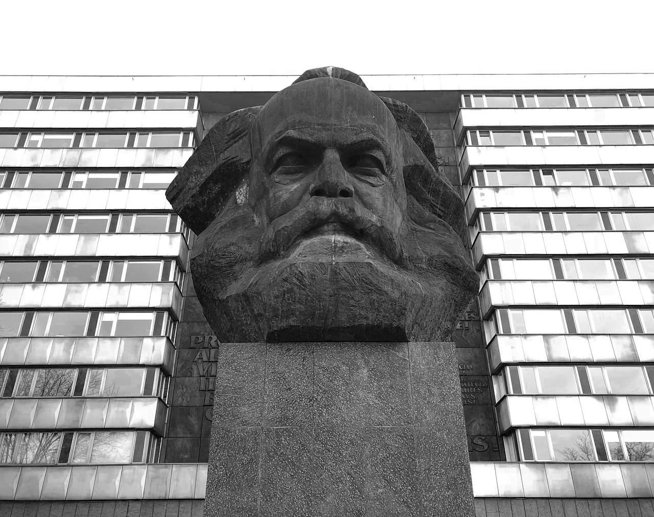 portrait-marx-communism