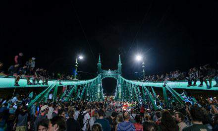 Pedestrians to take over Budapest's Liberty Bridge again in the summer