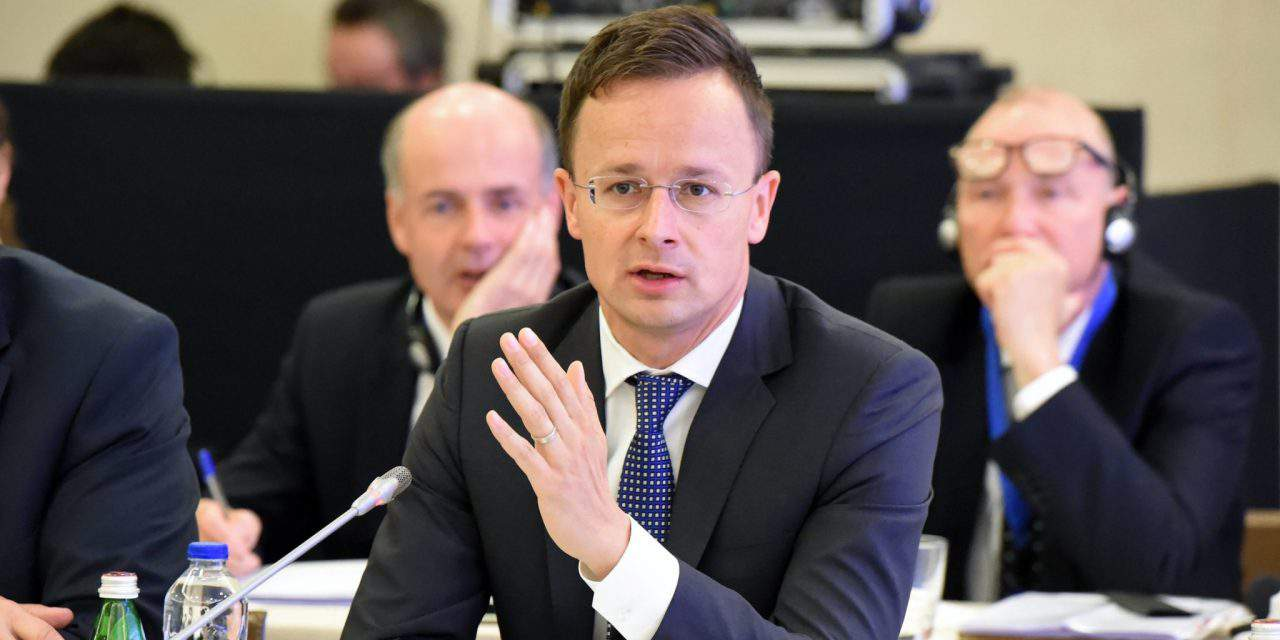 Hungarian foreign minister warns of further migration risks