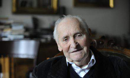 Poet Sándor Kányádi dies aged 89