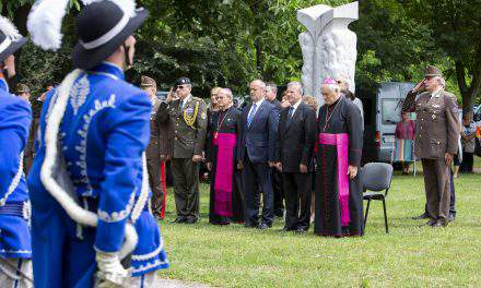 Hungary, Slovakia defence ministers pay tribute to Saints Cyril and Methodius