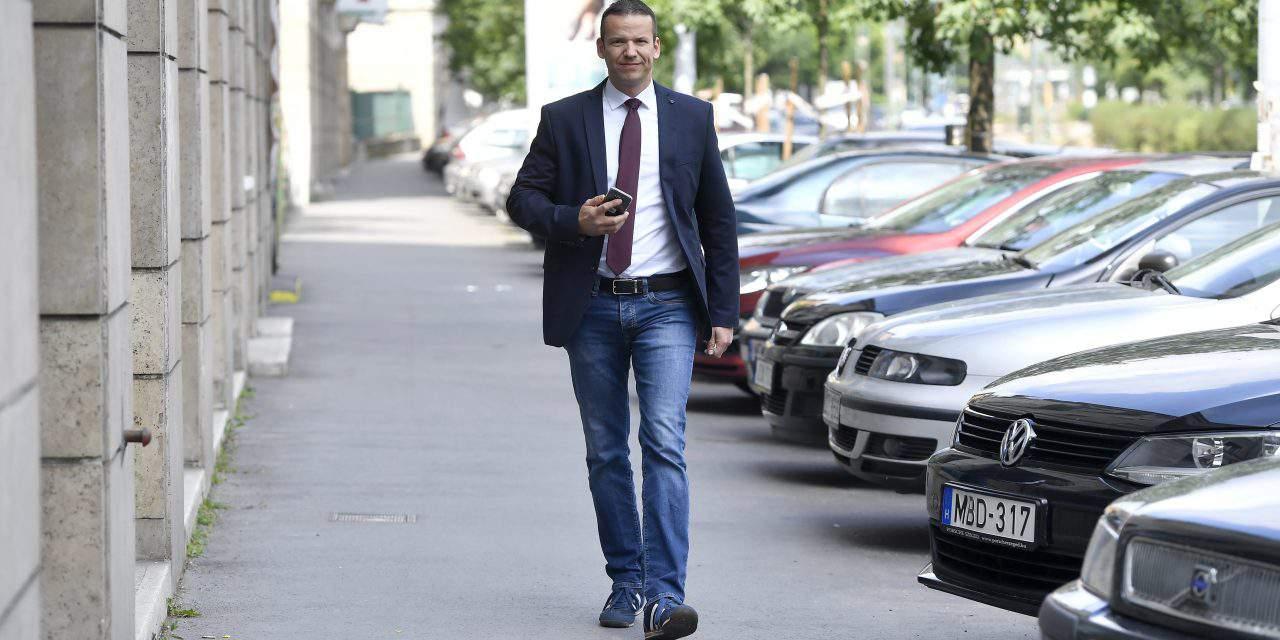 Former Jobbik deputy leader's movement seek to form new party