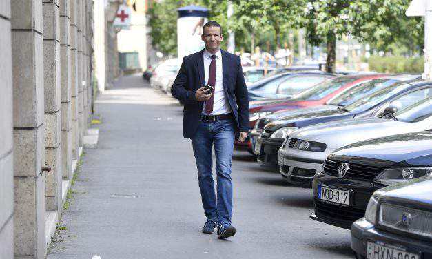 Former Jobbik deputy leader's movement seek to form new party