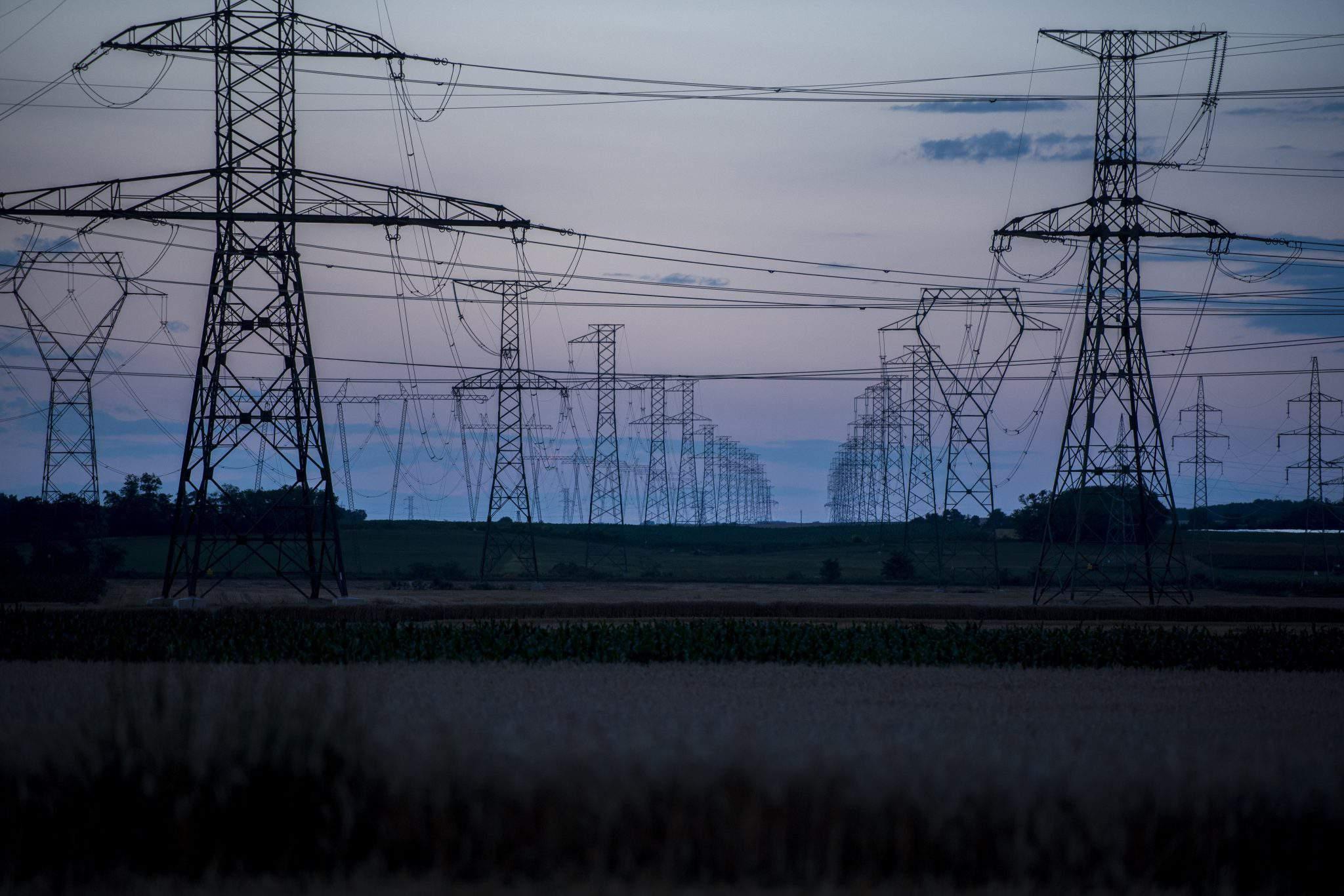 Paks energy electric