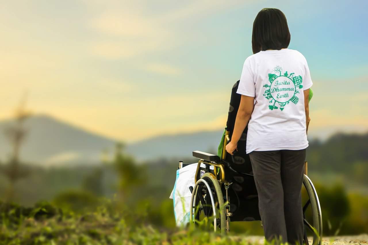 hospice nurse caregiving