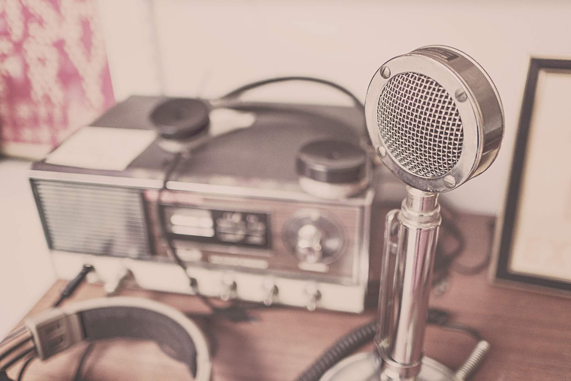 microphone radio