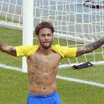 Hungarian referee wrestled with Neymar – VIDEO