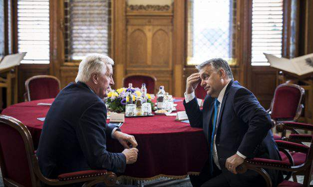 Hungary officials hold talks with EU Brexit negotiator