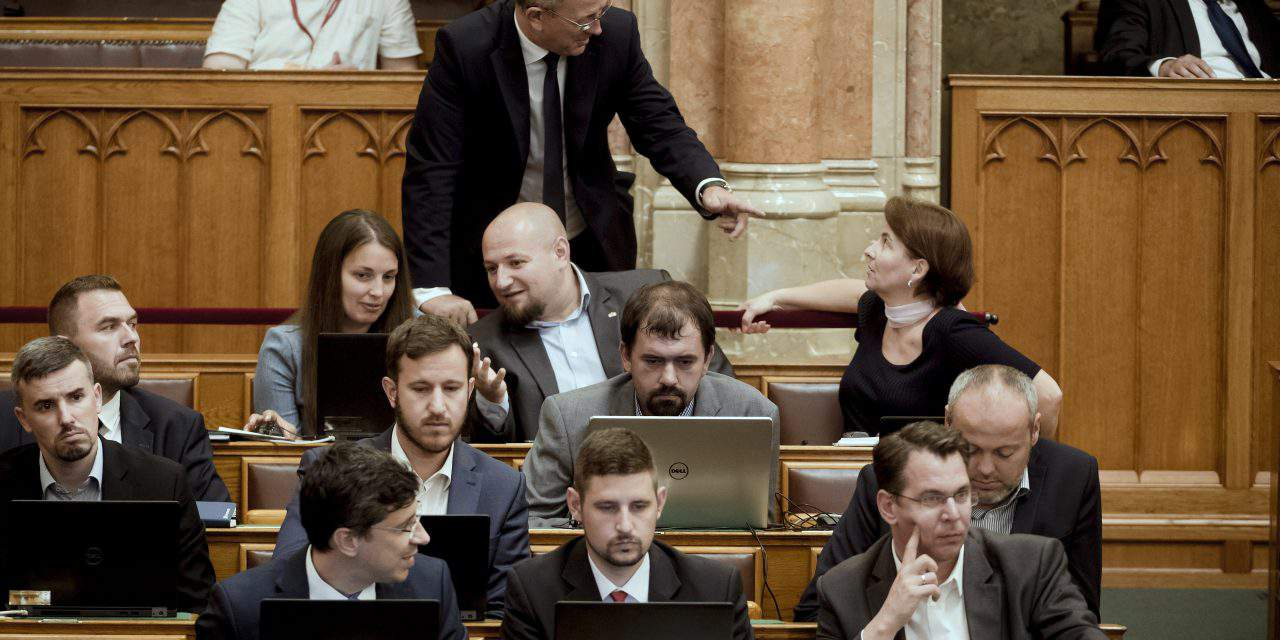 Opposition Jobbik denies reports of exodus of party members