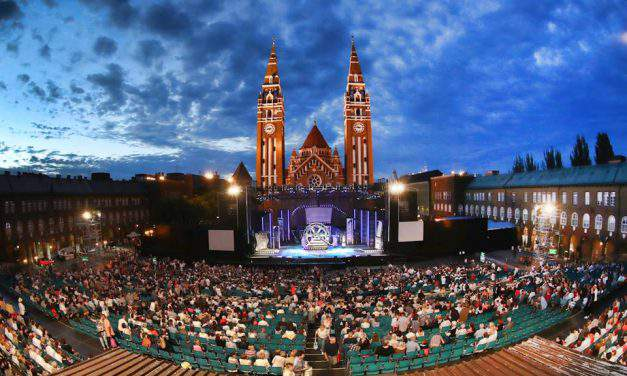 The best outdoor theatres in Hungary for warm summer nights