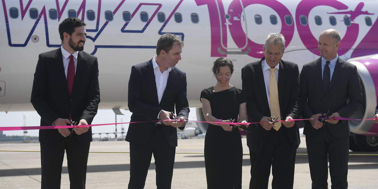 Wizz Air fleet reaches new milestone, celebrates 100th aircraft