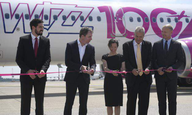 Wizz Air fleet reaches new milestone, celebrates 100th aircraft