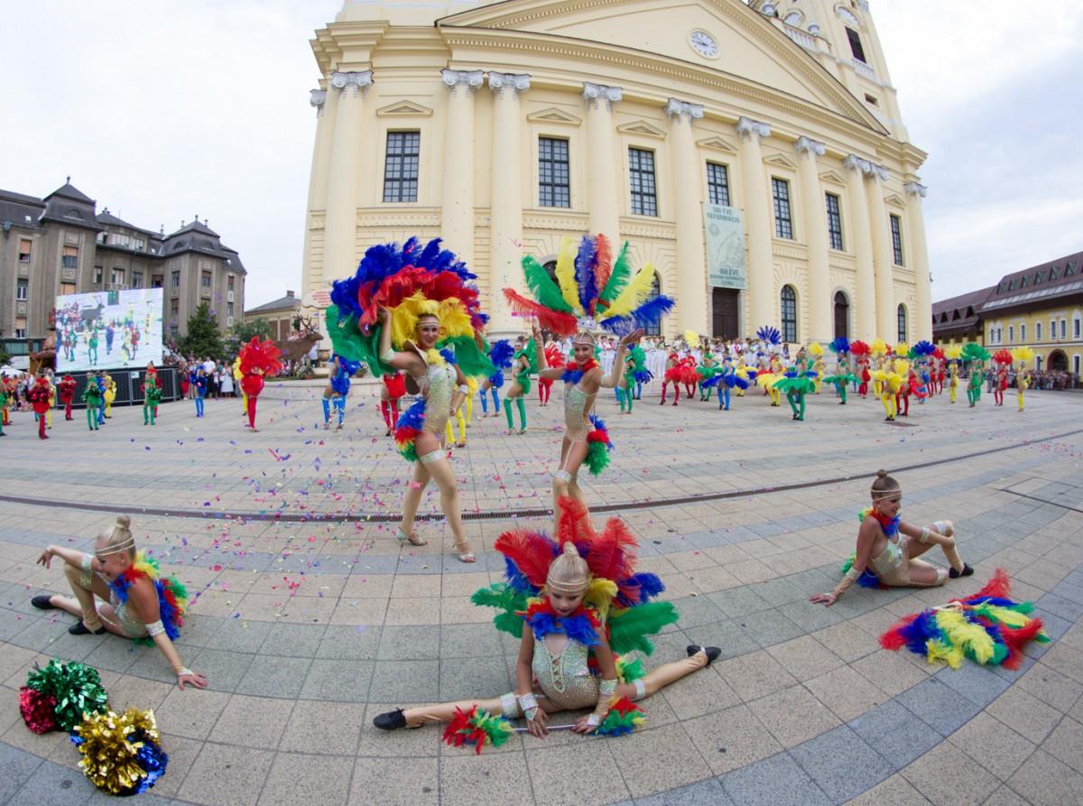 flower parade carnival art performance