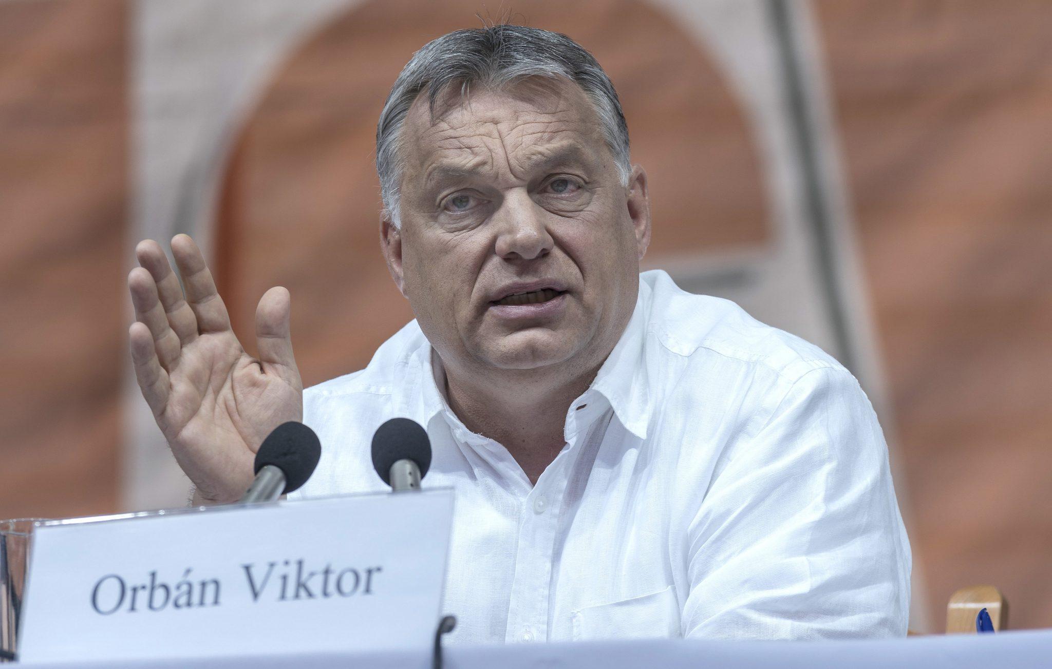 PM ORbán Romania Tusványos