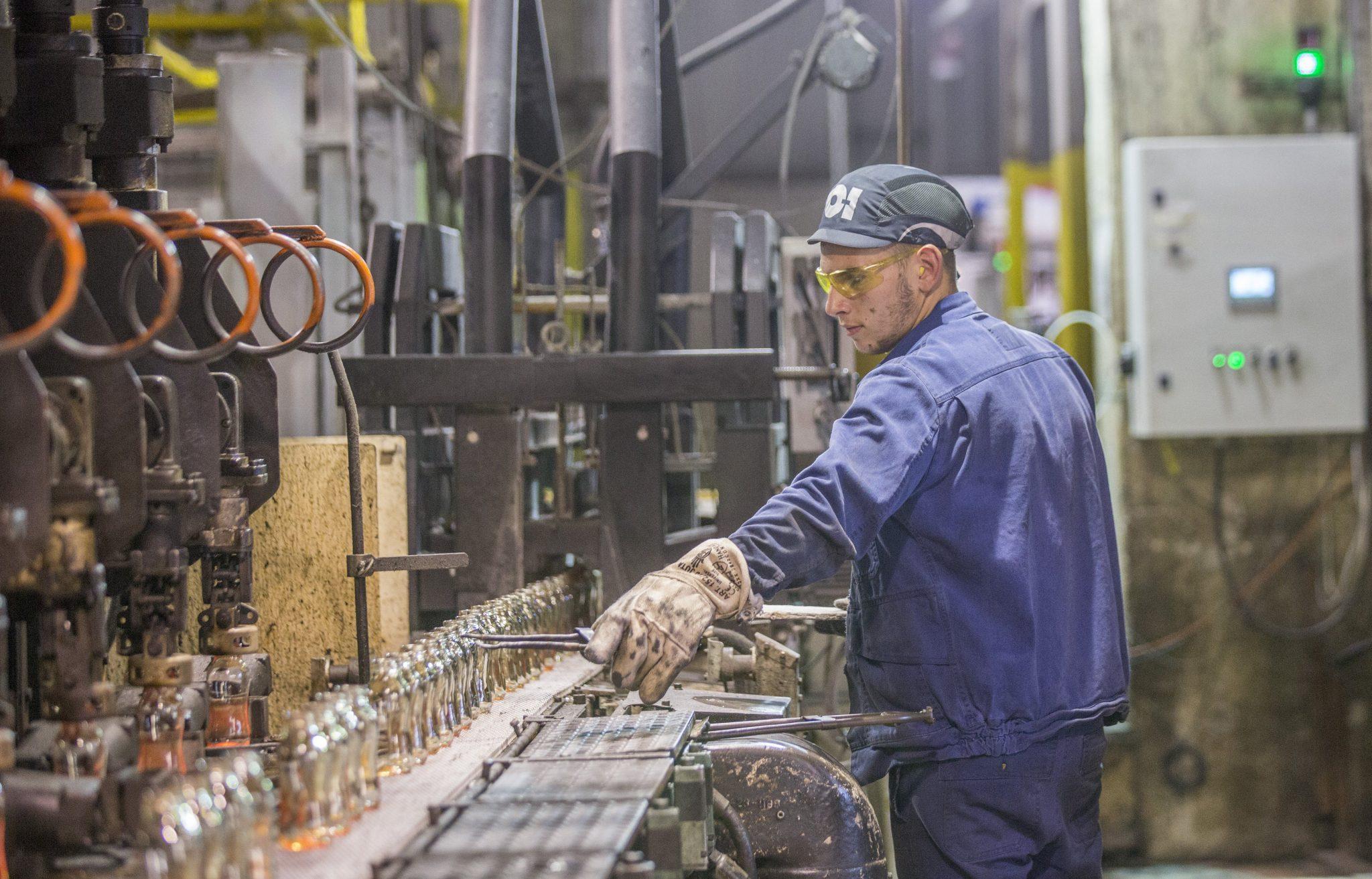 worker hungary Oeosháza