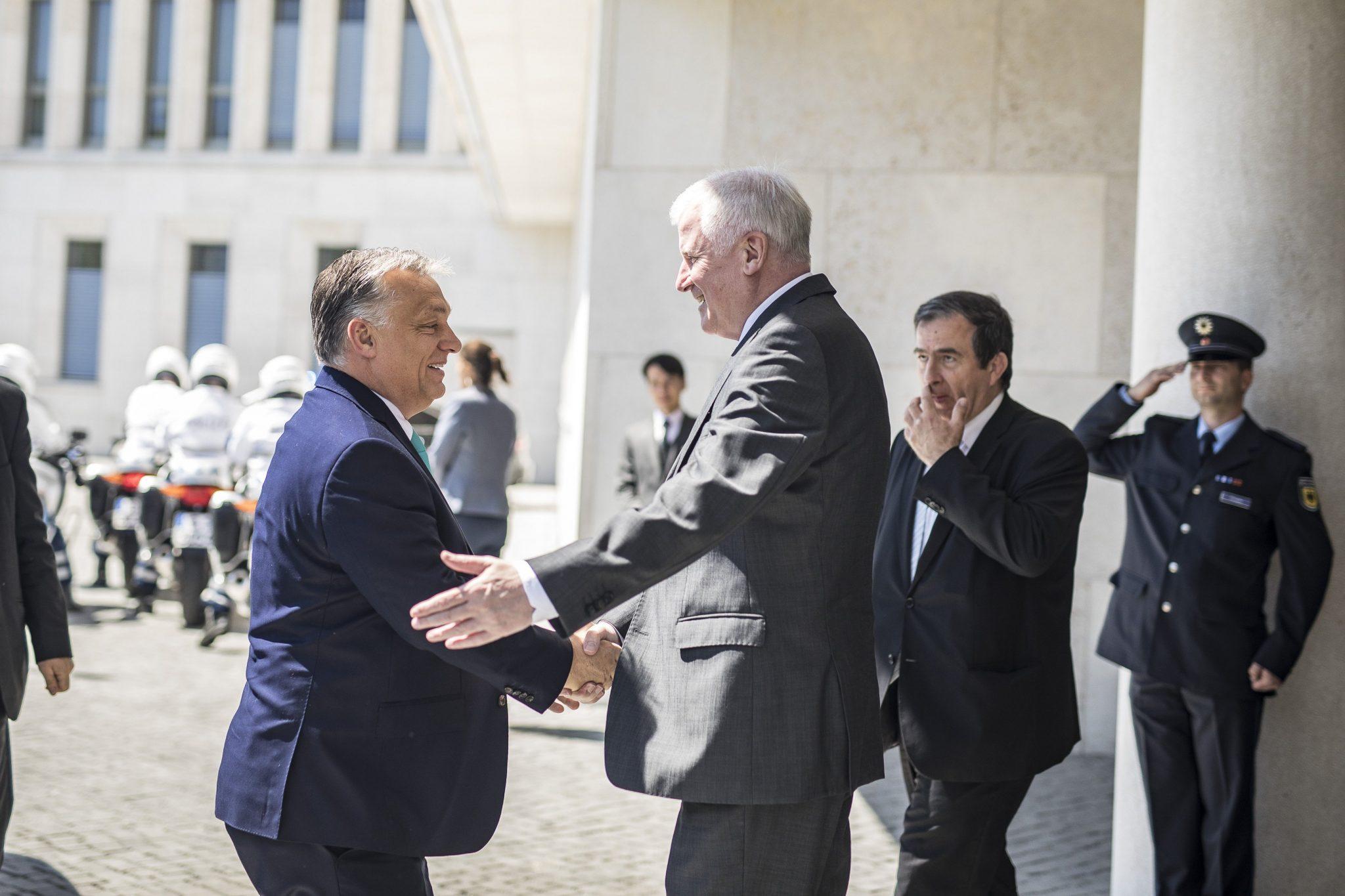 SEEHOFER Orbán Berlin