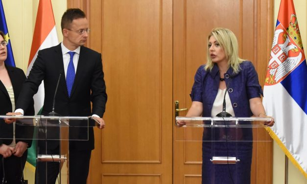 Hungary continues to support Serbia's EU integration, says FM in Belgrade