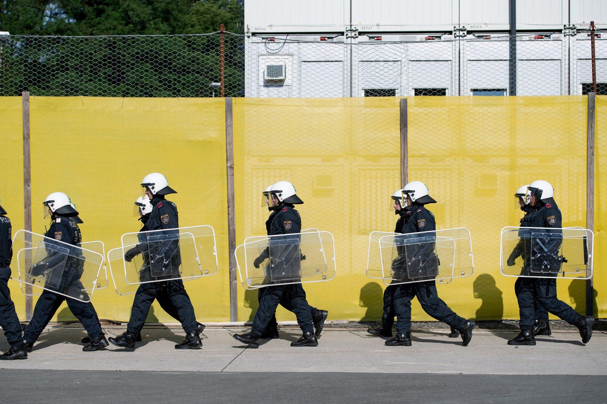 austria police migration