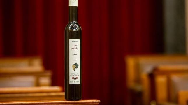 jasmine grape pálinka