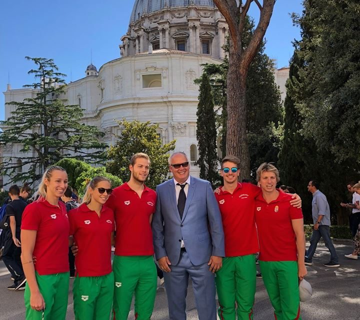 Hungarian swimmers met Pope Francis