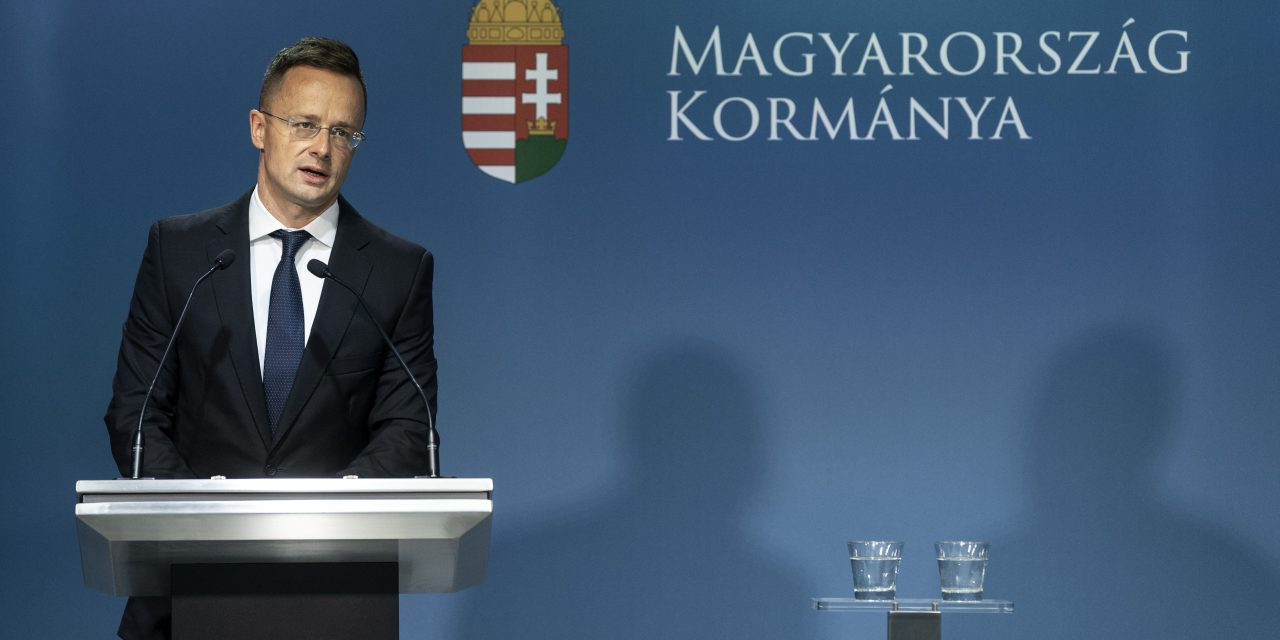 Hungary to quit UN global migration compact approval process