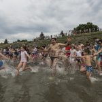 Hundreds of Hungarians take part in WWF's 'Big Jump' for water protection