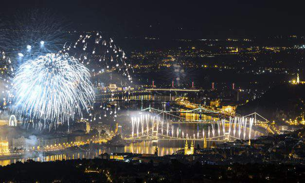August 20, 2018 – Hungary celebrated the national holiday with amazing fireworks – PHOTOS