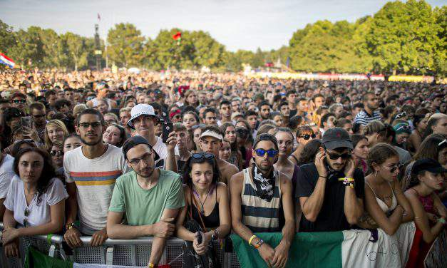 Cashless society promoted at cashless festival