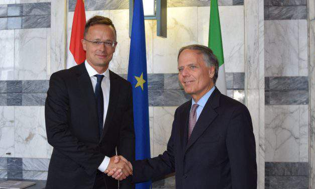 Italy, Hungary migration policies 'same in many respects', says Hungarian FM