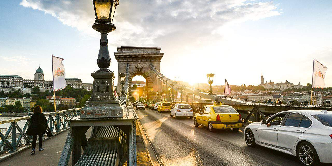 Budapest's Chain Bridge renovation: Hungarian government to provide EUR 21.4m
