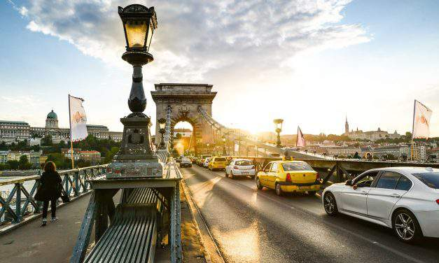 Budapest's Chain Bridge renovation: Hungarian government to provide EUR 21.4m