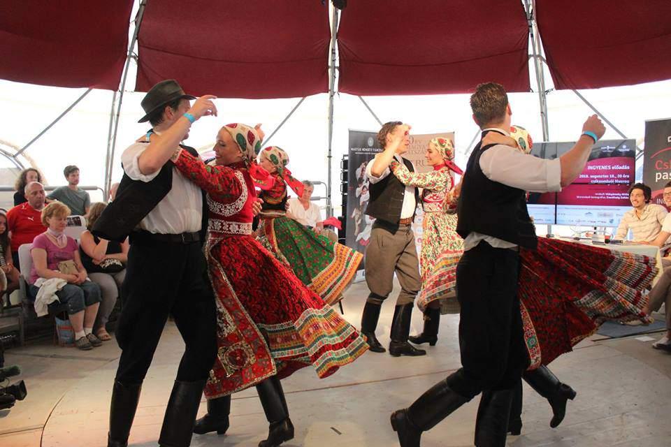 dance theatre tradition