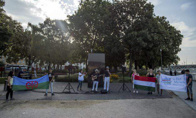 Roma Holocaust commemorated in Budapest