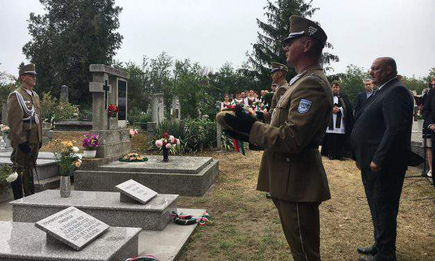 State secretary honours Hungarian, Russian soldiers fallen in WW2