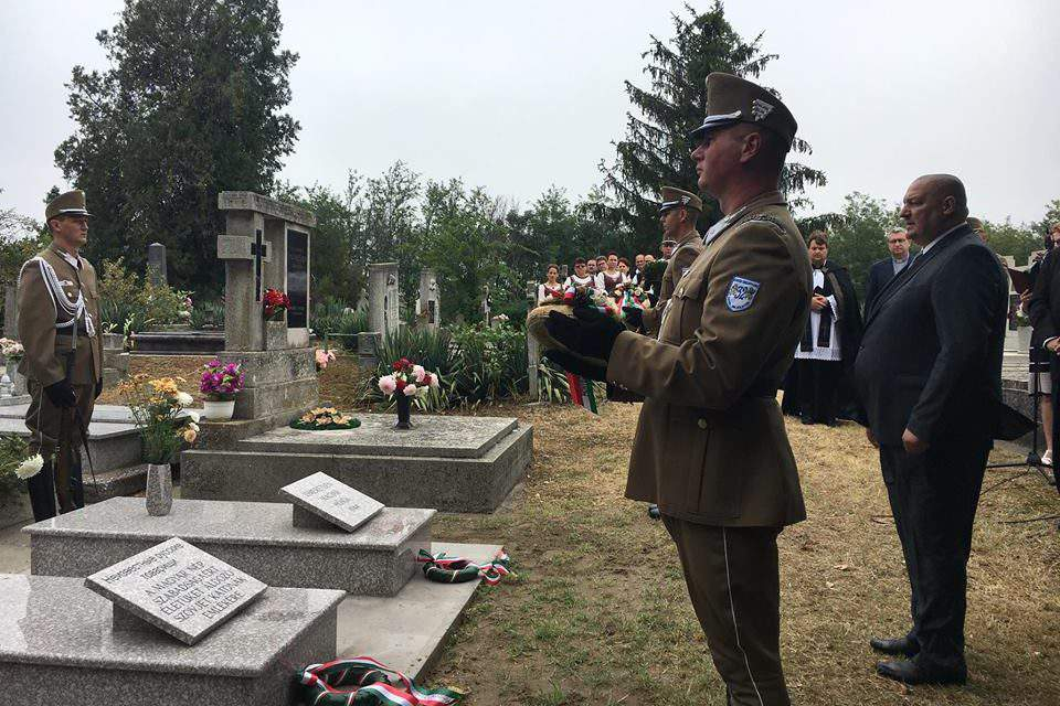 State secretary honours Hungarian, Russian soldiers fallen in WW2