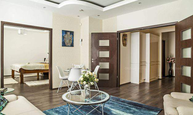 You only need a suitcase to move into an apartment that is a real gem in Budapest