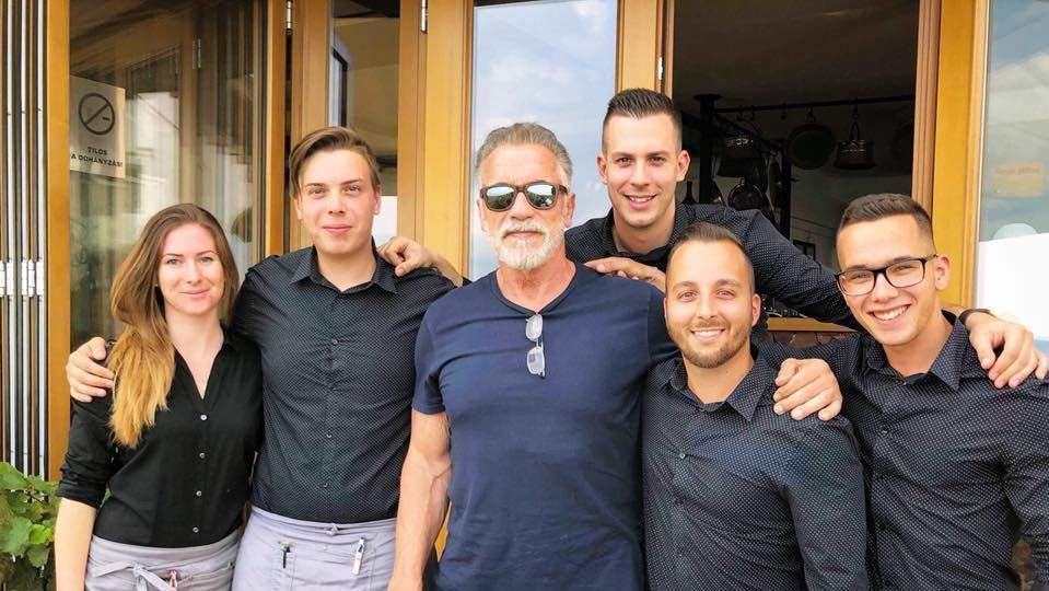 Schwarzenegger in Hungary: acting like a local!