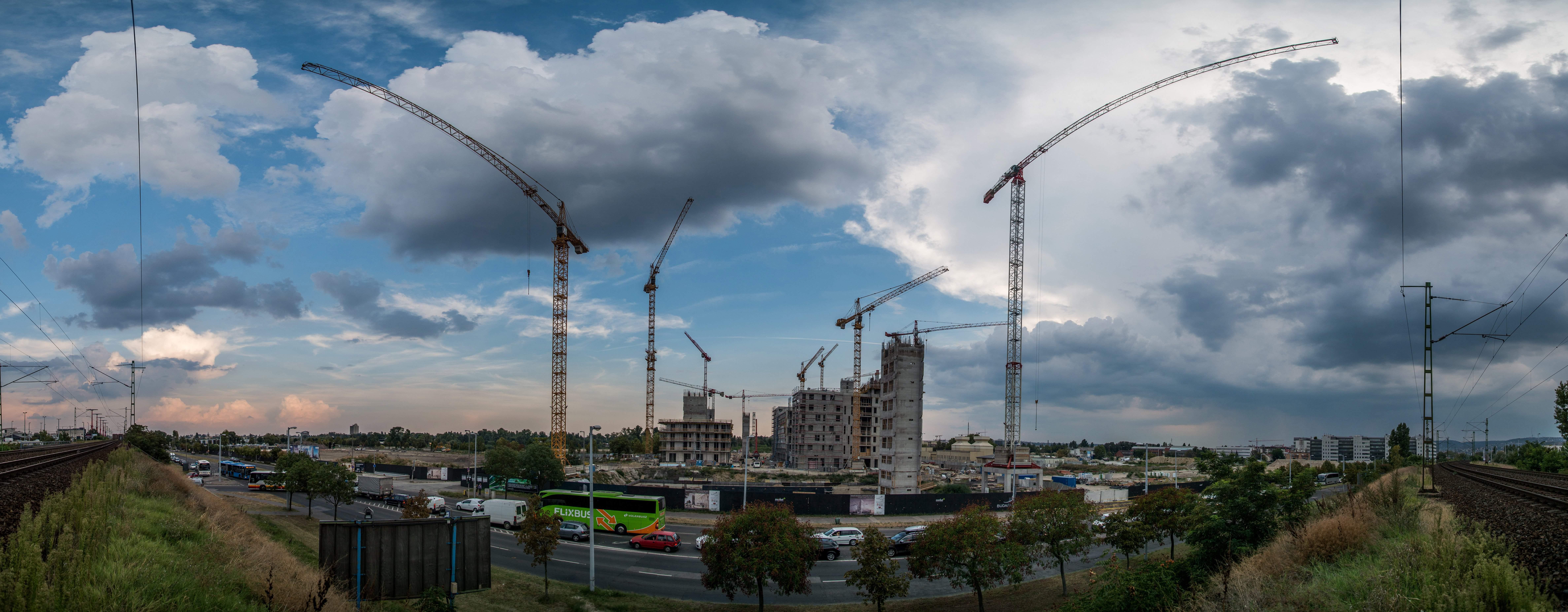 BudaPartGate construction flats