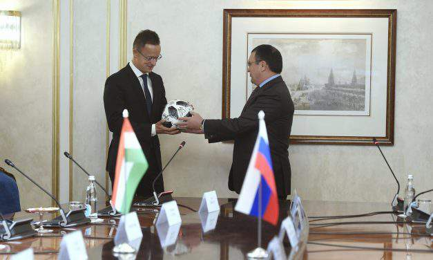 Foreign minister: Cooperation with Russia in Hungary's economic, security interest