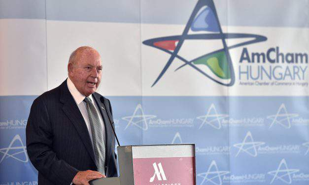 US ambassador praises Hungary workforce at AmCham business forum in Budapest