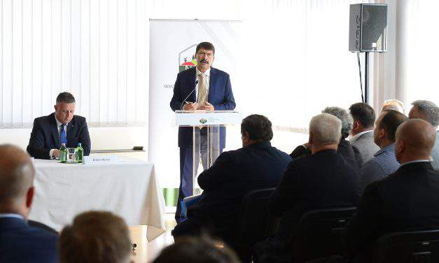 Hungarian president Áder: Irrigation water should be used sparingly