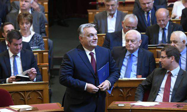 Orbán calls on opposition to 'side with nation' on 'national affairs'