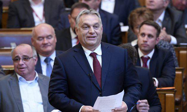 Opposition parties blast Orbán's opening address