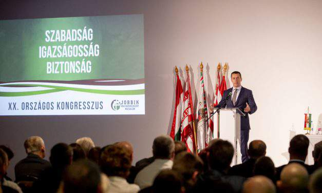 Jobbik declares 'resistance to Orbán regime' at congress