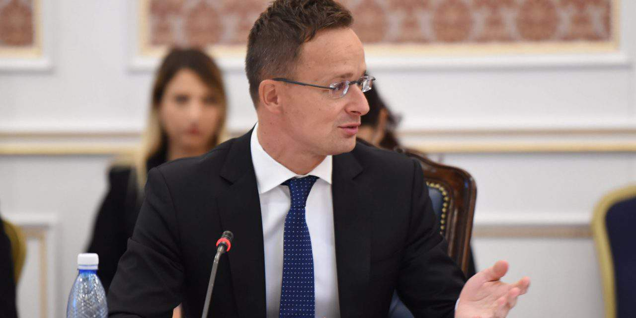 Hungarian FM: French, Luxembourg foreign ministers still seek to redistribute migrants