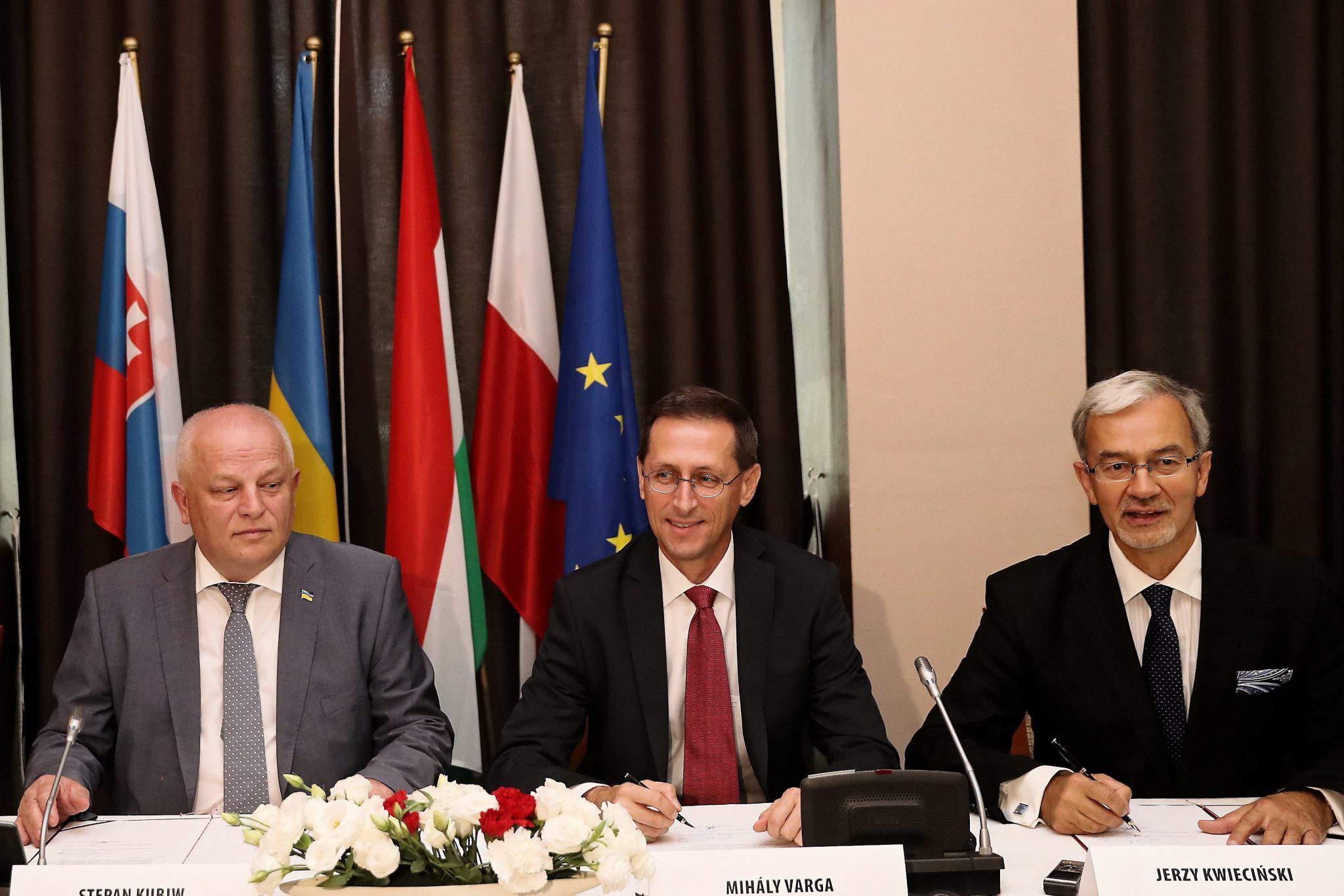 economy forum cooperation