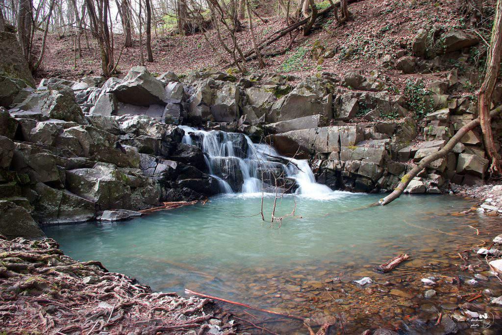 dömörkapu waterfall