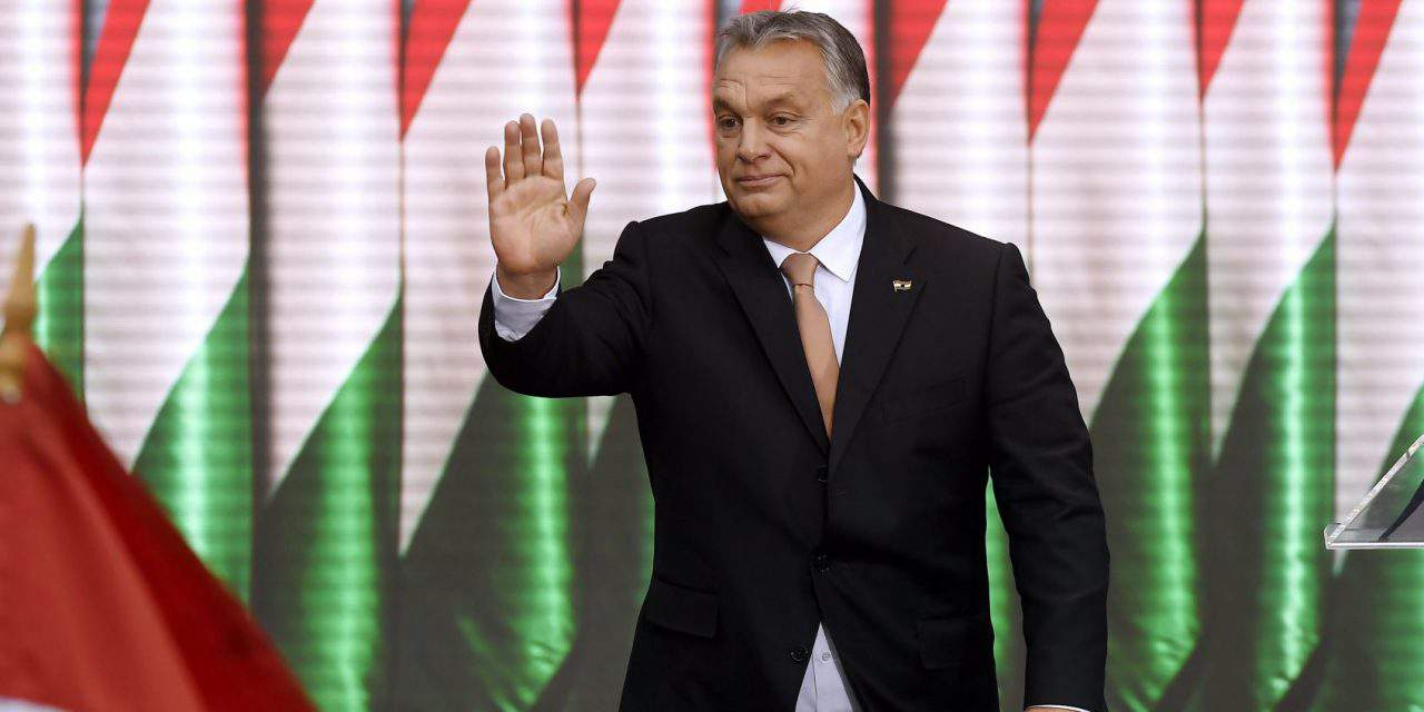 A Czech movie shows scenes of shooting an Orbán statue – VIDEO!