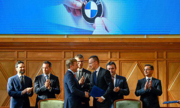 Hungary signing the grant agreement with BMW in Debrecen