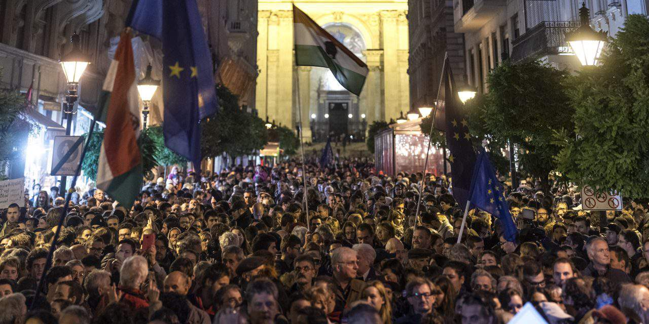 Thousands gathered in Budapest to express solidarity with CEU